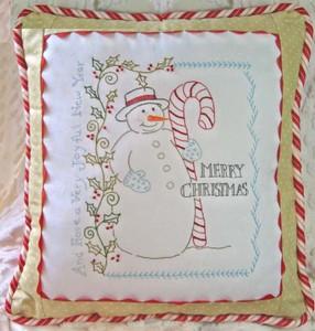 CAH411 snowman pillow