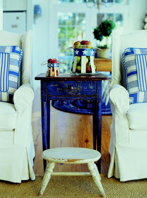 Polly blue white endtable