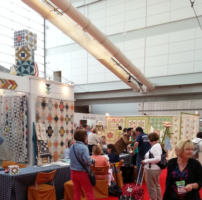 Pat sloan quilt market spring 2014 moda booth3