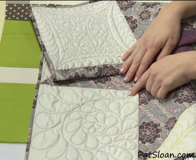 Pat sloan free motion Quilting feathers class review 5