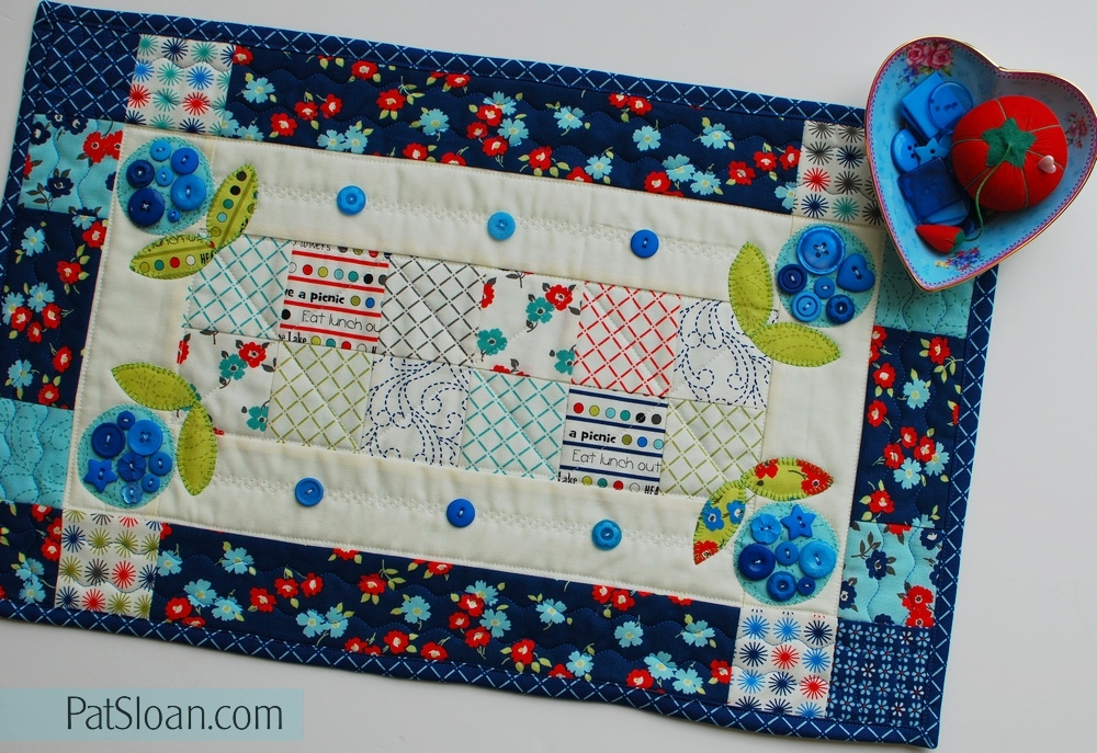 Put a blue button on it a free pattern from me to you! pat
