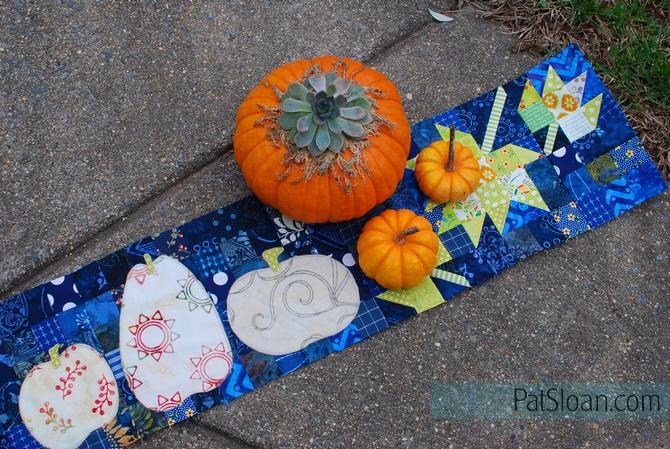 Pat sloan 3 pumpkins in a row