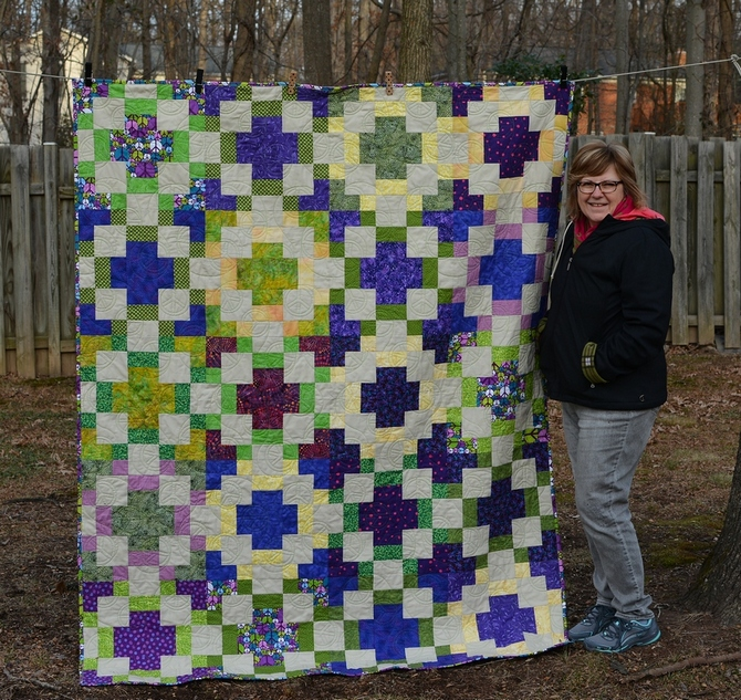 Katie peace quilt done 6