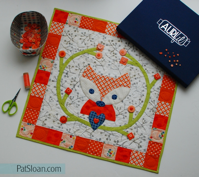 Pat sloan little foxes with buttonsJPG