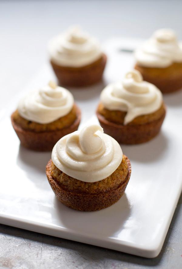 Carrot-cake-cupcakes-3