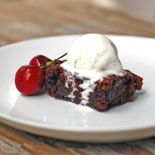 Roasted-Cherry-Brownies