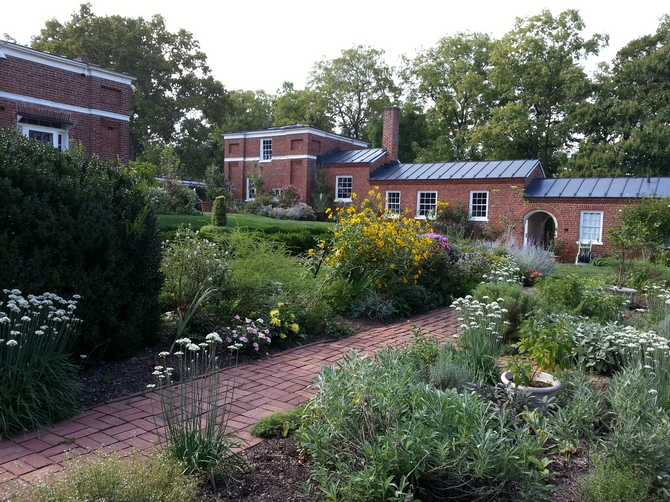 Pat sloan kitchen garden