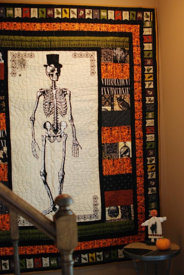 Fabulous Fabric Series - My FREE Halloween tablerunners!