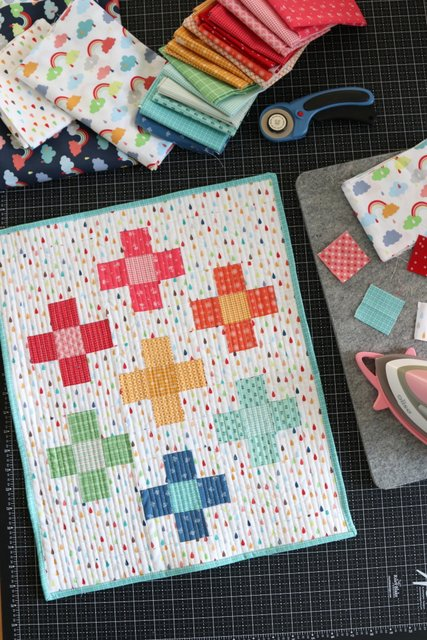 Positively-Mini-Quilt-Tutorial-by-Amy-Smart