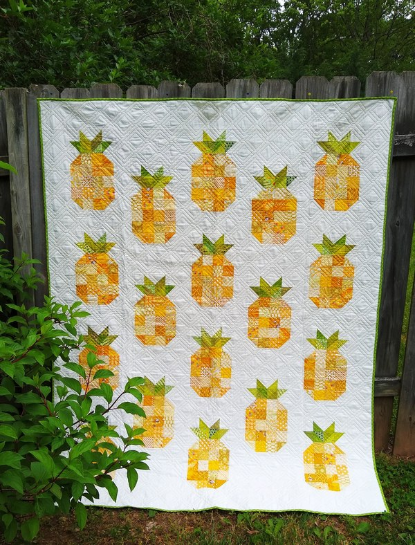 Pat sloan pineapple quilt done pic 3sm