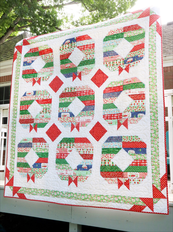 Christmas-Holly-Jolly-Wreath-Quilt-Pattern-scaled